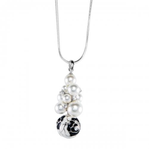 Belle Etoile Botanique Black Seashell Pearl Pendant